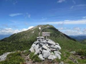 白根隠山頂2410m