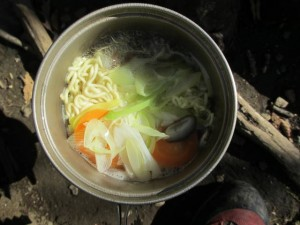 鳴虫山で袋麺