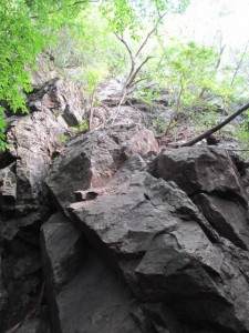 古賀志山・中尾根一番岩