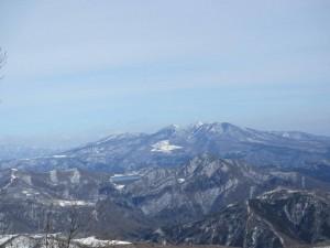 残雪の高原山4座完登。それは9時間に及ぶ死闘で疲れはてる。
