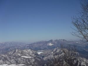 栗山の月山はツツジの山に疑いの余地なし。だがとても怖い思いをした。