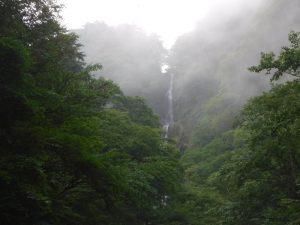 日光にこんな華麗な滝があるなんて得した気分、野門の布引滝。