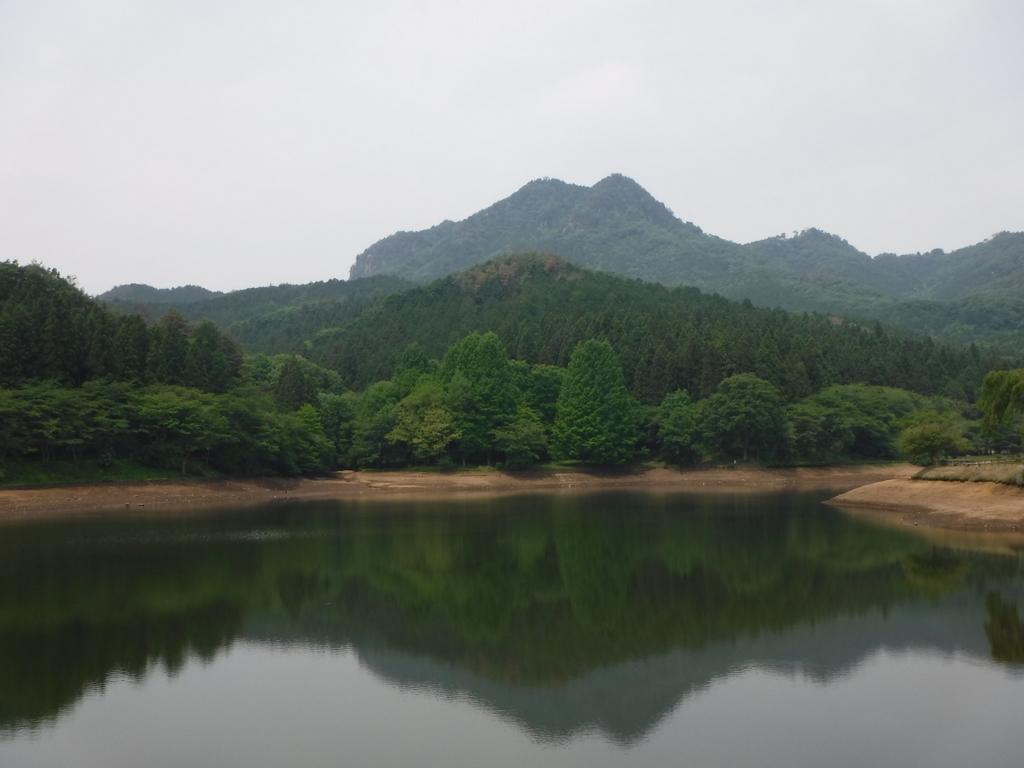 夏日の古賀志山でホットなランチ(^^)。未踏ルート発見という収穫も。
