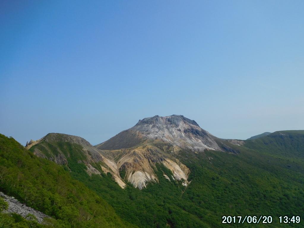 茶臼岳を西側から眺める