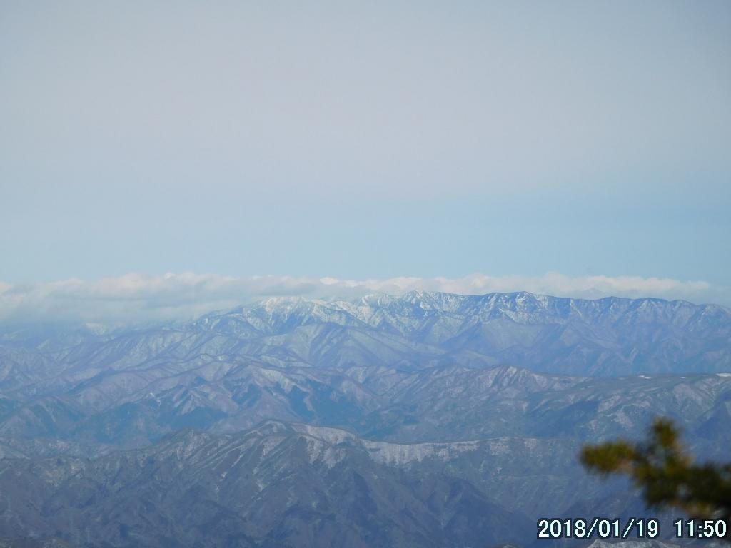 福島県境の山並み
