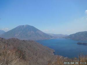奥日光の絶景地、社山で男体山と中禅寺湖を堪能する。