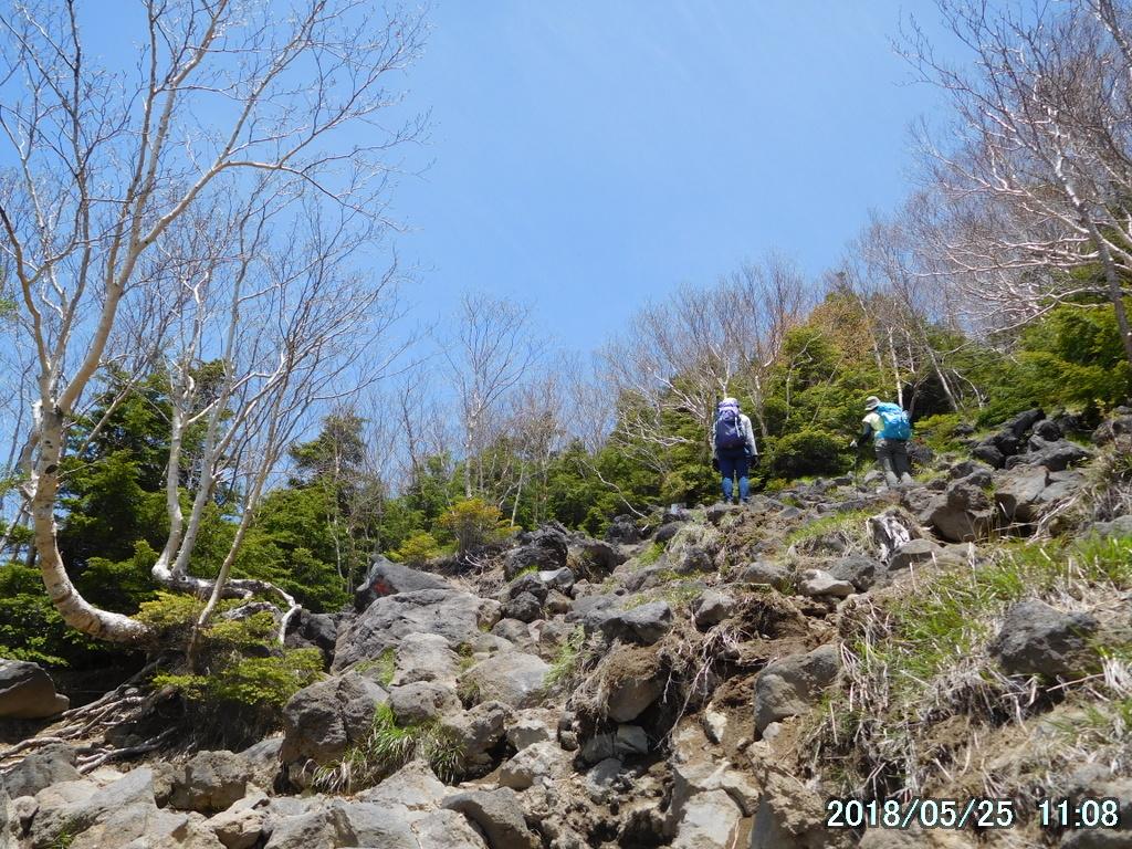 急傾斜のガレ場