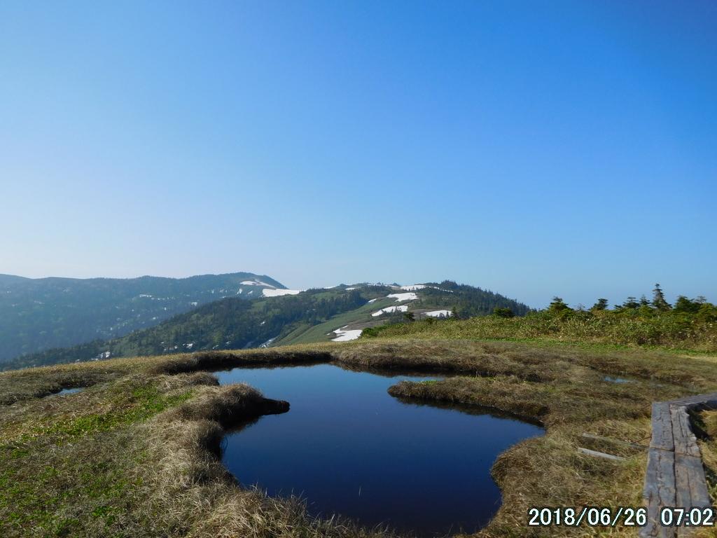 大津岐峠への稜線