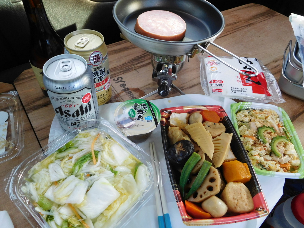 車内で夕食